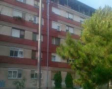 Trosoban stan na radijalcu