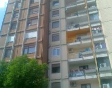 Trosoban stan na Beogradskom putu