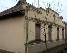 Trosobna kuća u Kertvarošu