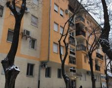 Izdajemo četvorosoban stan u ul. Braće Jugović